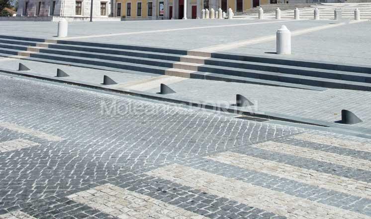 Moleanos Vidraco limestone traditional flooring