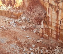 Moleanos quarry extraction